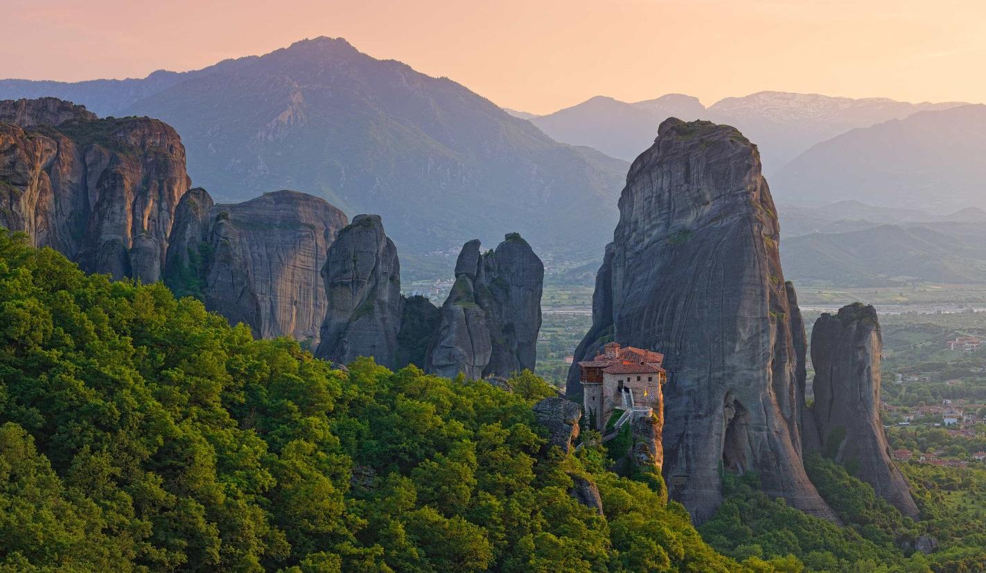 Meteoros yra vienas didžiausių ir žymiausių Graikijos vienuolynų kompleksų